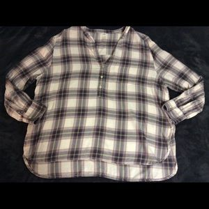 Old Navy Plaid Hi Low Blouse Side Slits V-Neck L